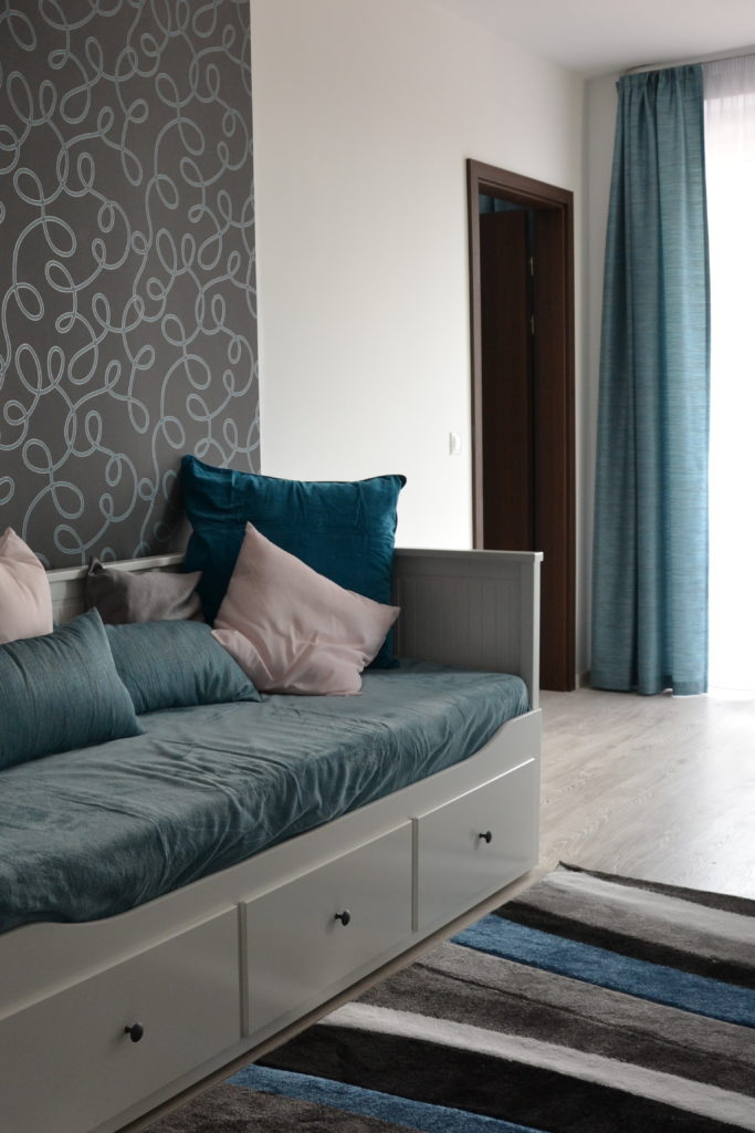 Tágas nappali kinyitható kanapéval